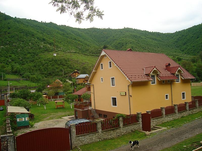 Pensiunea Casa Lucas din Gura Râului