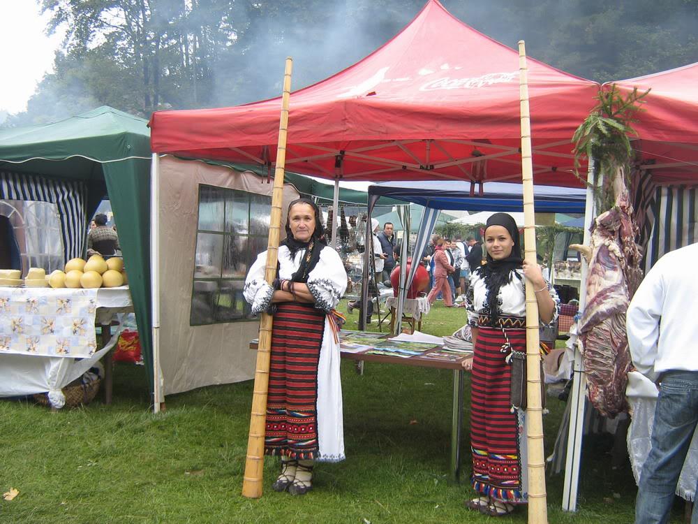 Festivalul branzei si al pastramei pe Platoul Inima Reginei