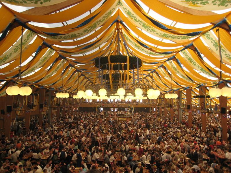 Oktoberfest 2012 Hermannstadt. Vier Tage Spaß und Essen