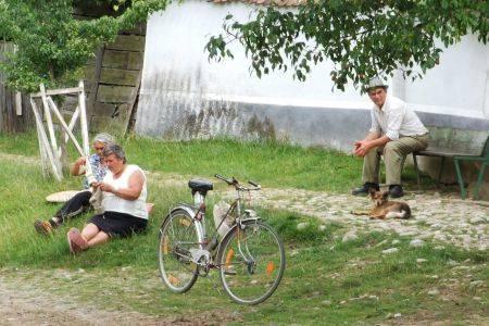 Șosetele din lână naturală din satul Viscri