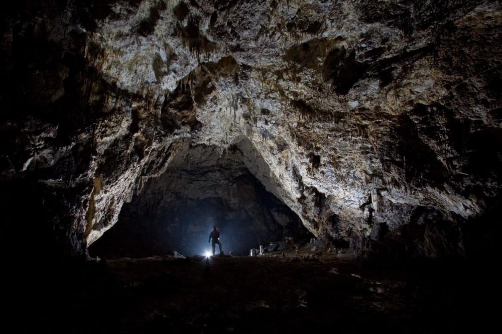 Die neueste Höhle in Rumänien: Tal der Burg in Rosenau