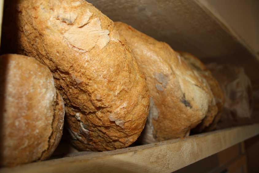 Verkosten Sie traditionelles Brot in der Alte Mühle von Hosman