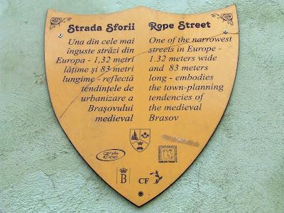 Strada Sforii din Brasov, cea mai ingusta strada din Europa