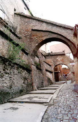 Entdecken Sie die Altstadt: der Treppen Durchgang in Hermannstadt
