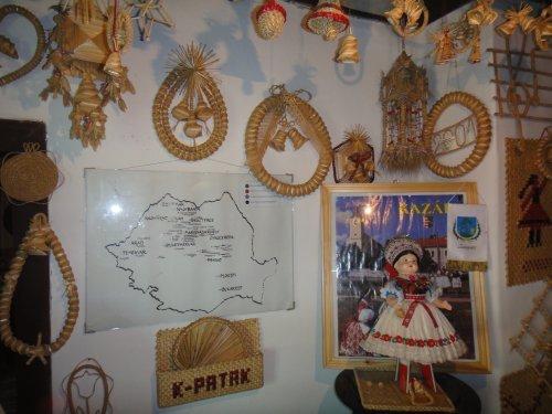 Muzeul Palariilor de Paie de la Criseni cu cea mai mare palarie din tara