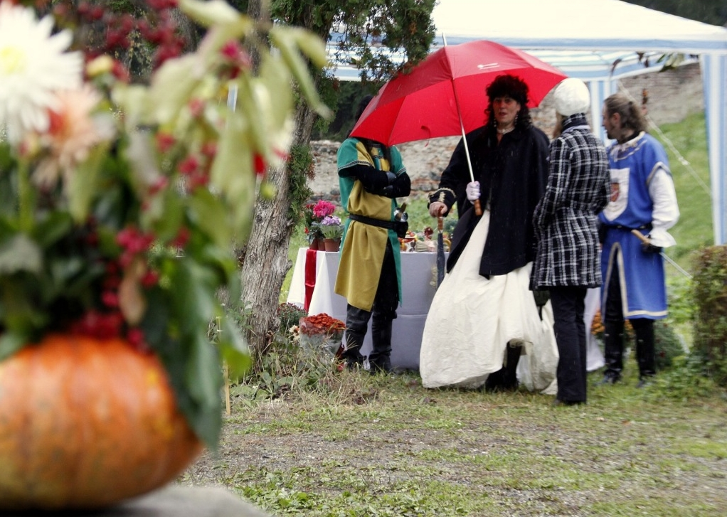 Ein Tag unter den Figuren der Zeit: das Barock Herbstfestival beginnt