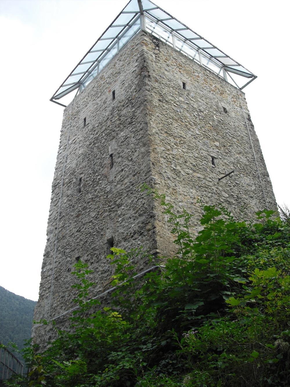 Die Geschichte des Schwarzen Turms, der erste Hüter von Kronstadt