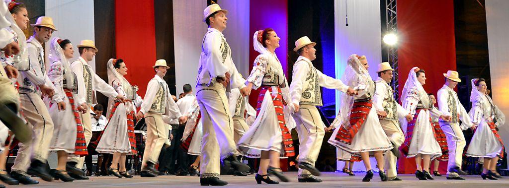 """PROGRAM. Festivalul """"Noi suntem romani"""" de Ziua Nationala, la Sibiu"""