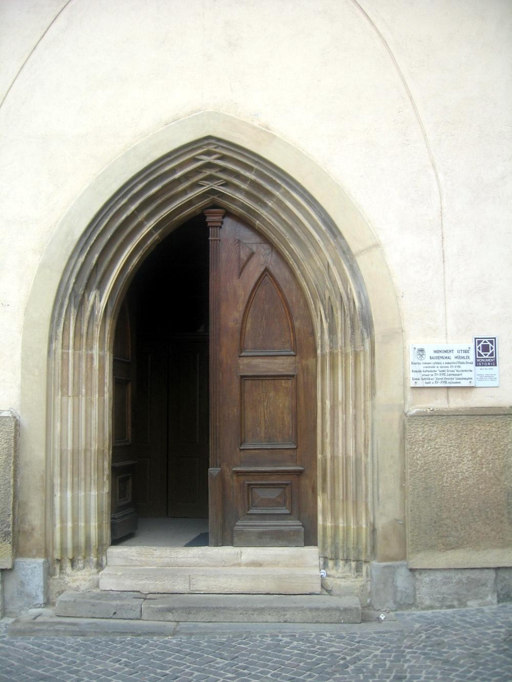 Legenda tunelurilor de sub Biserica Ursulinelor