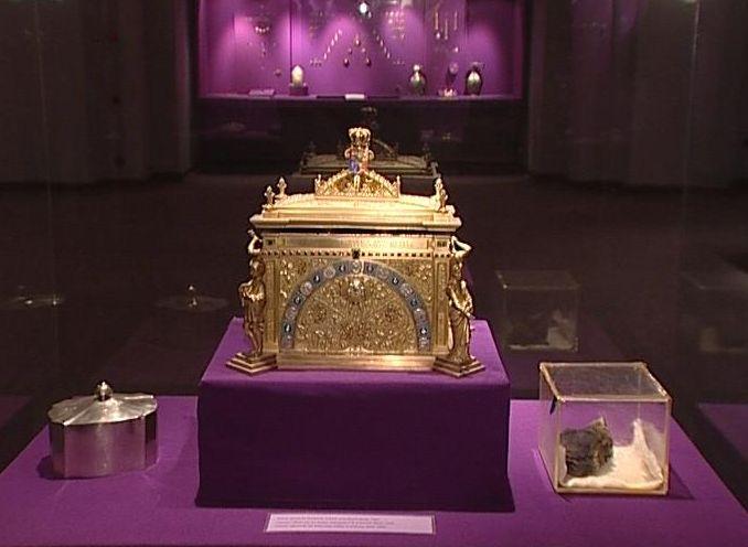 Die Geschichte des Herzen von Königin Maria, in den Felsen für 27 Jahre versteckt