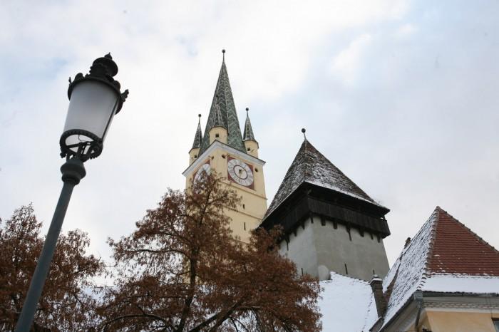 Legenda Turnului Trompetilor din Cetatea Luminii