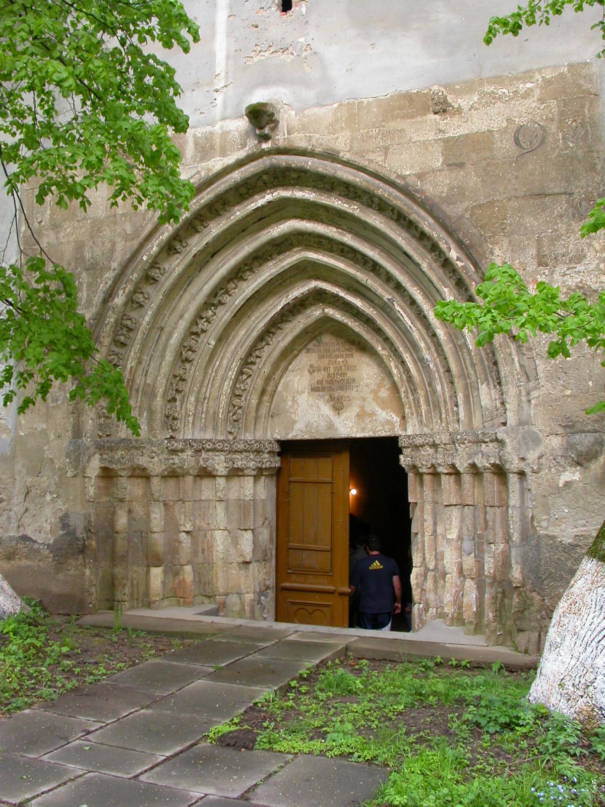 Biserica fortificată Ațel