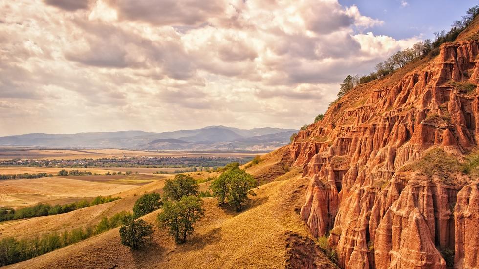 Descoperă Râpa Roşie – Micul Canion al României